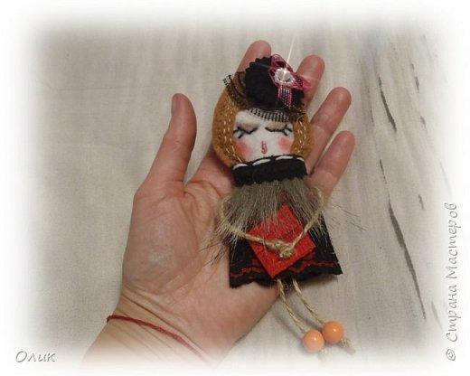 Очень модный тренд сезона куколки - брошки ручной работы. фото 3