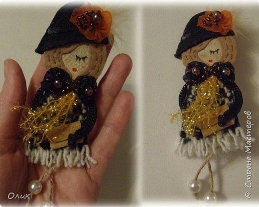 Очень модный тренд сезона куколки - брошки ручной работы. фото 6