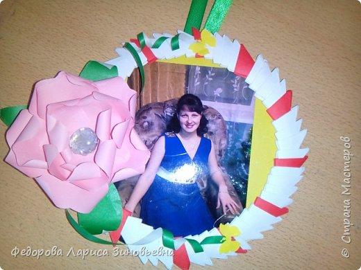 27 ноября наша страна отмечает День Матери. К этому празднику мои ученики  4 класса на уроках кружка изготовили своим мамам удивительные рамочки для фото.  фото 4