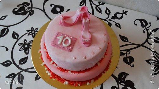 Заготовки цветов  и листочков для украшения торта фото 10