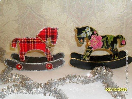 Новогодние интерьерные игрушки. Можно и на камин поставить, и в кабинете на столе будут смотреться не плохо. фото 7