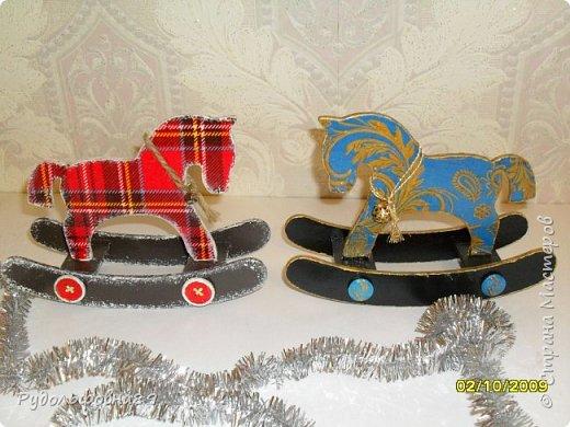 Новогодние интерьерные игрушки. Можно и на камин поставить, и в кабинете на столе будут смотреться не плохо. фото 9