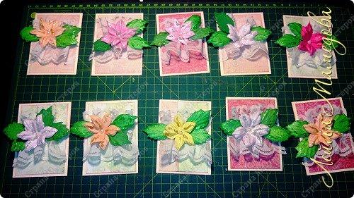 """Запоздала я на этой неделе со своими карточками! В честь праздника всех Мам, я решила подарить цветы. Серия называется """"Цветы для Мам"""". Пусть будут счастливы все-все Мамы!!!! Старалась выдержать заданный скетч. фото 1"""