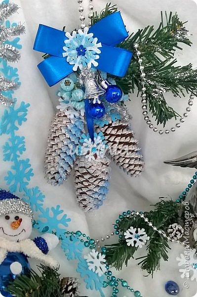 Наконец то я дорвалась до шишек и натворила веночков  и разных новогодних украшательств)))) и думаю это ещё не конец ))) как быстро покрасить шишки я выкладывала вот здесь http://stranamasterov.ru/node/1060218 фото 13