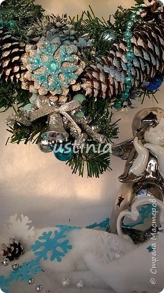 Наконец то я дорвалась до шишек и натворила веночков  и разных новогодних украшательств)))) и думаю это ещё не конец ))) как быстро покрасить шишки я выкладывала вот здесь http://stranamasterov.ru/node/1060218 фото 3