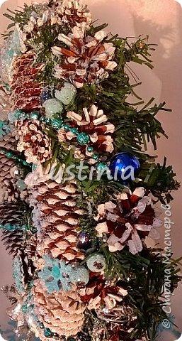 Наконец то я дорвалась до шишек и натворила веночков  и разных новогодних украшательств)))) и думаю это ещё не конец ))) как быстро покрасить шишки я выкладывала вот здесь http://stranamasterov.ru/node/1060218 фото 7