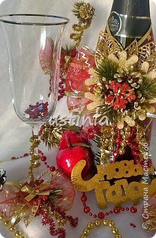 Наконец то я дорвалась до шишек и натворила веночков  и разных новогодних украшательств)))) и думаю это ещё не конец ))) как быстро покрасить шишки я выкладывала вот здесь http://stranamasterov.ru/node/1060218 фото 15