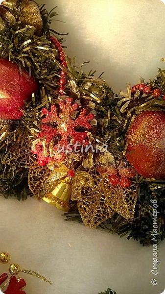 Наконец то я дорвалась до шишек и натворила веночков  и разных новогодних украшательств)))) и думаю это ещё не конец ))) как быстро покрасить шишки я выкладывала вот здесь http://stranamasterov.ru/node/1060218 фото 21