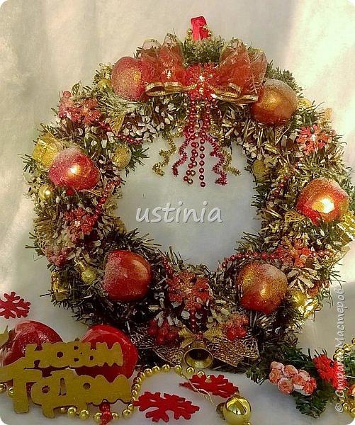 Наконец то я дорвалась до шишек и натворила веночков  и разных новогодних украшательств)))) и думаю это ещё не конец ))) как быстро покрасить шишки я выкладывала вот здесь http://stranamasterov.ru/node/1060218 фото 24