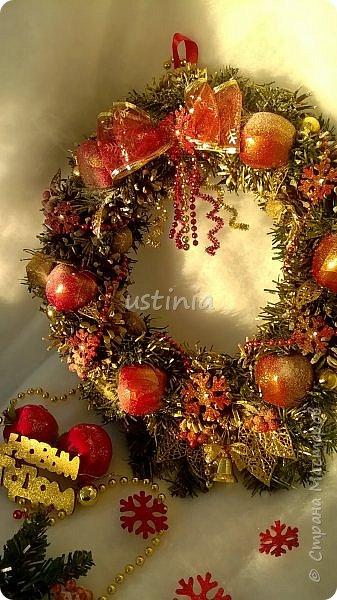 Наконец то я дорвалась до шишек и натворила веночков  и разных новогодних украшательств)))) и думаю это ещё не конец ))) как быстро покрасить шишки я выкладывала вот здесь http://stranamasterov.ru/node/1060218 фото 20