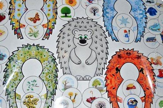 """Всем привет! В продолжение экологической темы, начатой тут - http://stranamasterov.ru/node/1059073, в садике был объявлен новый конкурс в рамках проекта """"Эколята-дошколята"""" - """"Игротека природолюбия"""", для которого нужно было сделать игровые пособия и дидактические игры для экологического воспитания дошкольников. Из родителей никто не откликнулся и по глазам воспитательницы я поняла, что на меня она возлагает большие надежды)) Недолго думая, я вспомнила, что именно такая игра у меня уже есть - http://stranamasterov.ru/node/754072, хотела было отдать её в садик, но передумала)) Во-первых, эта игра уже отправилась в мою коллекцию ёжиков, а во-вторых, очень многие меня просили поделиться схемами и шаблончиками, а я первый раз делала всё на глаз, поэтому практически ничем помочь не могла. В общем, решила я сделать новый набор карточек, немножко побольше размером, а заодно оформила небольшой мастер-класс, может кому-нибудь такая игра тоже очень нужна)) фото 12"""