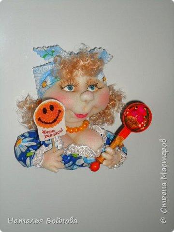 Холодильник- царь кухни)) Кукла магнит на холодильник замечательное дополнение к его интерьеру . Кукла выполнена по идее Е.Лаврентьевой фото 8
