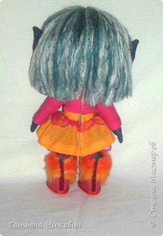 Решила попробовать сшить куклу из джинса.Высота 35 см ,ручки и ножки подвижные одежда и обувь снимается фото 5