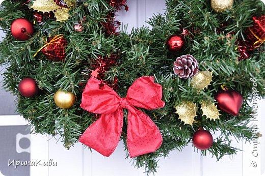 Покажу еще две новогодние работы. Новогодний топиарий в традиционных рождественских цветах: красный, зеленый и белый. Такое сочетание мне очень нравится - яркое и праздничное. фото 5