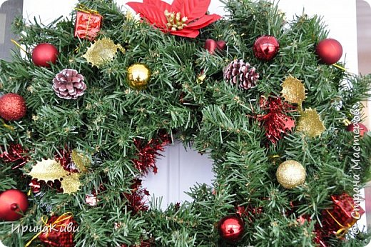 Покажу еще две новогодние работы. Новогодний топиарий в традиционных рождественских цветах: красный, зеленый и белый. Такое сочетание мне очень нравится - яркое и праздничное. фото 6