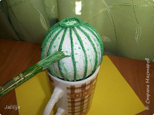 Приветствую всех, кто ко мне заглянул! Столько блестящих во всех смыслах ёлочных шариков уже изготовлено в Стране! Я сегодня предлагаю  вместе со мной сделать это украшение из шпагата. Вот такие шары. фото 13