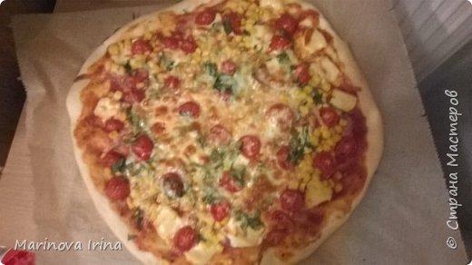 """Хочу поделиться с вами моим рецептом, из болгарской кухни. В оригинале назьIвается """"Принцеса със сирене"""" но я назьIваю пица с яйцами.Ну вот тесто обьIчное вода, дрожжи, соль, немного масла и мука. фото 5"""