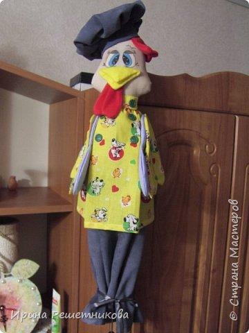 Привет СМ! Совершенно неожиданно для себя,получила заказ от магазина на шитье пакетниц! Нашила много,потратила 2недели, надеюсь ,и на подарки хватит.Спасибо Марианне за идею  и МК.  Первыми идут  молодая парочка, пошли на сельское гулянье.На нем-новый картуз с цветком,на ней-платок. фото 14