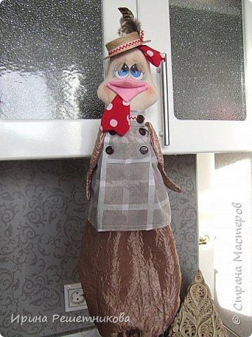 Привет СМ! Совершенно неожиданно для себя,получила заказ от магазина на шитье пакетниц! Нашила много,потратила 2недели, надеюсь ,и на подарки хватит.Спасибо Марианне за идею  и МК.  Первыми идут  молодая парочка, пошли на сельское гулянье.На нем-новый картуз с цветком,на ней-платок. фото 5