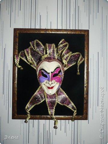 Интерьерная маска Джокер и небольшой МК по короне Джокера . фото 1