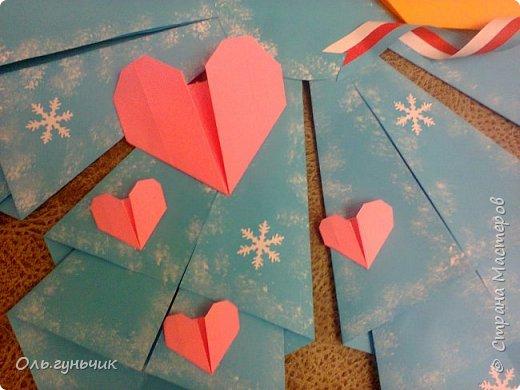 Здравствуйте всем! Попросили меня в школе оформить небольшими плакатами стенд на все времена года...Осень покажу ниже, а это зима...снежинка в технике оригами. Спасибо Голубке за идеи...делала с ребятами ее календарики, а тут решила совместить все зимние месяца и праздники в эти месяцы. Вот что у меня получилось...мне понравилось...все придумала сама, воспользовалась только схемами оригами. фото 10