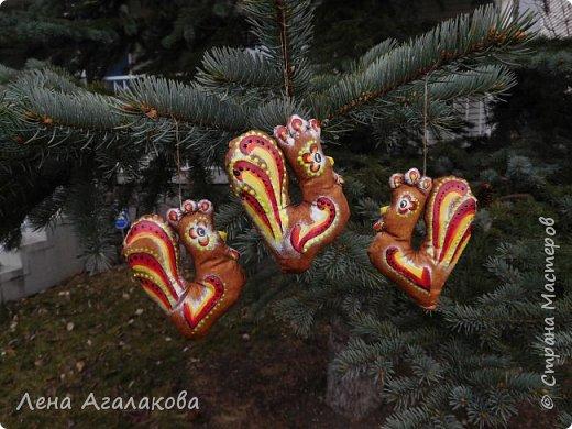 Петушки кофейные на елку получились самыми удачными, расписаны акрилом фото 5