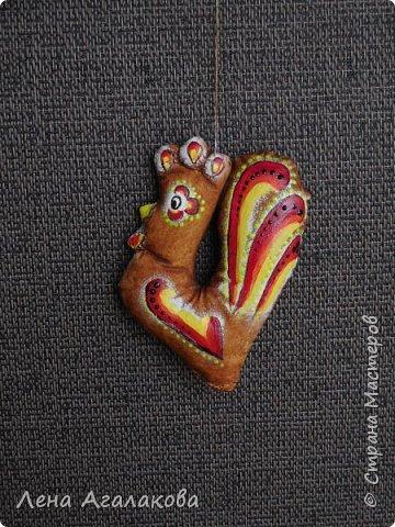 Петушки кофейные на елку получились самыми удачными, расписаны акрилом фото 3