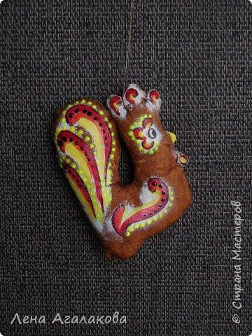 Петушки кофейные на елку получились самыми удачными, расписаны акрилом фото 4