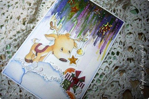 """Поднакопилось тут маленько моих  новогодних работ, решила одним постом , но без  особых деталей  выставить... Это детская новогодняя открыточка """"ПОДАРОЧЕК""""!!!Северное сияние попыталась акварельными красками передать... фото 1"""