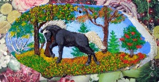 очередная картинка,тесто и крашеная крупа на прорисованном фоне.(без лошадки я никуда) фото 1