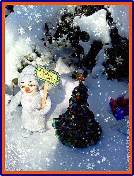 До Нового Года осталось совсем немного времени ))) и мастерицы уже давно принялись за дело! Вот и я решила, что давно пора делать подарки и просто украшения к празднику!!! Я ОЧЕНЬ люблю Новый Год!!!!! Начало положено))) представляю вам моих снеговичков!  фото 7