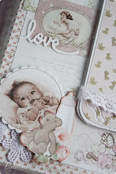 """За окошком поздняя ночь,  а я все выбираю фото, что бы показать вам альбом, который сделала для своей  маленькой принцессы , с потайными кармашками и окошками,  делала ведь  для сохранения не только фотография, но и забавных и милых сердцу  памятных мелочей...Потом будет так интересно прочитать первое слово...рассмотреть ярлычок с первого платьишка... Однако , что писать, давайте лучше смотреть:) Альбом 20*20 очень нежный и многодетальный, как я люблю. Много разного кружева, чипборда  и цветов. Корешок 8 см - вот такой пухляш! Мне даже чуть-чуть не хватило отреза ткани для обложки, пришлось искать выход из положения, уж очень хотела использовать именно эту ткань! Она так подходила по тону к бумаге Fleur коллекция """"наш малыш Девочка"""" Я просто влюбилась в эту коллекцию, она такая нежная, такая красивая  В альбоме  5 разворотов, для  фото 9х13. Но обо всем по-порядку... фото 16"""