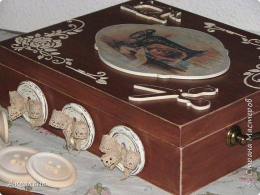 Шкатулка целиком  с наружи и изнутри окрашена морилкой. фото 2
