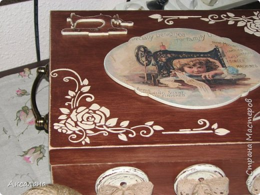 Шкатулка целиком  с наружи и изнутри окрашена морилкой. фото 6