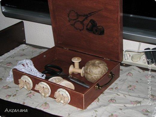 Шкатулка целиком  с наружи и изнутри окрашена морилкой. фото 10
