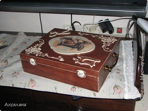 Шкатулка целиком  с наружи и изнутри окрашена морилкой. фото 8