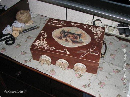 Шкатулка целиком  с наружи и изнутри окрашена морилкой. фото 1