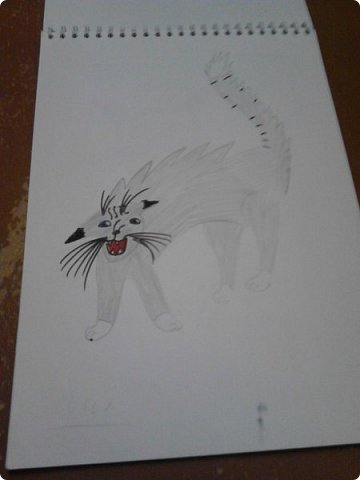 Здравствуй, Страна Мастеров! Как же давно меня тут не было! Сейчас я покажу вам свои новые рисунки.  На уроке ИЗО рисовали необычных существ. Вот мой рисунок. Крылатый Волк. фото 16