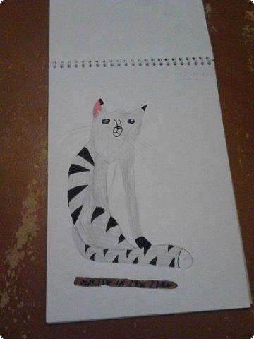 Здравствуй, Страна Мастеров! Как же давно меня тут не было! Сейчас я покажу вам свои новые рисунки.  На уроке ИЗО рисовали необычных существ. Вот мой рисунок. Крылатый Волк. фото 10