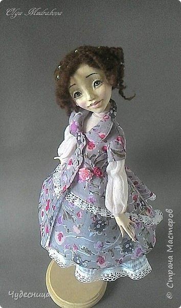 Марина. Еще одна кукольная проба, очередной мой кукольный опыт. Кукла с подвижными конечностями. Рост около 40 см. Голова, кисти рук, ножки - самозатвердевающий пластик. Тело - текстиль, холлофайбер. Одежда частично съемная. Чулочки, туфельки, нижнее платьице не снимаются. фото 2