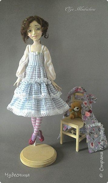 Марина. Еще одна кукольная проба, очередной мой кукольный опыт. Кукла с подвижными конечностями. Рост около 40 см. Голова, кисти рук, ножки - самозатвердевающий пластик. Тело - текстиль, холлофайбер. Одежда частично съемная. Чулочки, туфельки, нижнее платьице не снимаются. фото 6