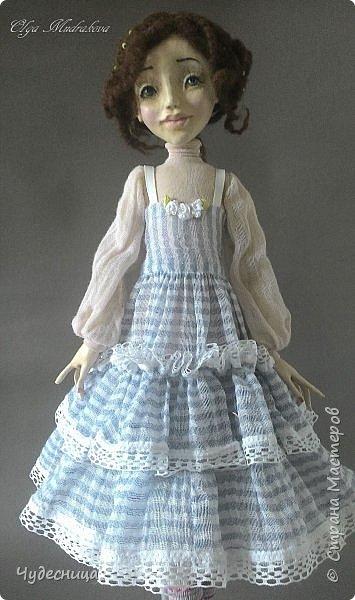 Марина. Еще одна кукольная проба, очередной мой кукольный опыт. Кукла с подвижными конечностями. Рост около 40 см. Голова, кисти рук, ножки - самозатвердевающий пластик. Тело - текстиль, холлофайбер. Одежда частично съемная. Чулочки, туфельки, нижнее платьице не снимаются. фото 5