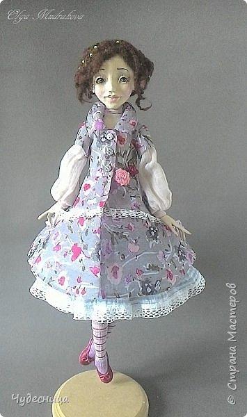 Марина. Еще одна кукольная проба, очередной мой кукольный опыт. Кукла с подвижными конечностями. Рост около 40 см. Голова, кисти рук, ножки - самозатвердевающий пластик. Тело - текстиль, холлофайбер. Одежда частично съемная. Чулочки, туфельки, нижнее платьице не снимаются. фото 8