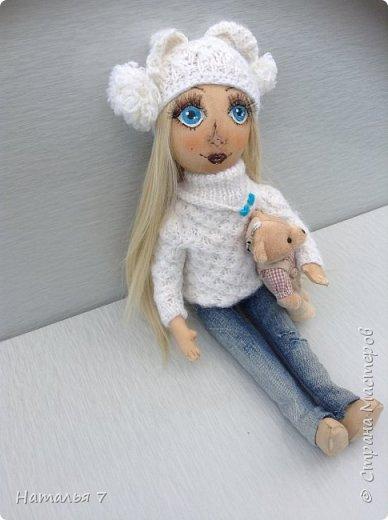 Кукла ручной работы, интерьерная. Ищет дом, одежда снимается, волосы аккуратно расчесывать. Рост 35 см. фото 2