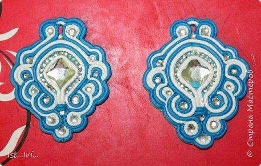 и еще пластика))серьги,кольца,браслеты и прочее украшение) фото 3