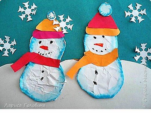 На внеурочке рисовали пластилином снежинки. Брали маленькую рамку со стеклом. Сначала контур обводили маркером, затем покрывали пластилином и чуть - чуть украсили контуром фото 11