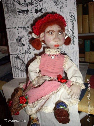 Всем хорошего дня. Эта кукла сшита в подарок. Пробую валять лица. фото 3