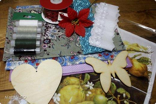 """Доброго всем вечера!! Получила я сегодня посылочку по игре-обмену """"Новый год к нам мчится!"""" организовали ее Катюша и Наташа - http://stranamasterov.ru/node/1045809?c=favorite а посылочка пришла ко мне от чудесной мастерица Танюши - проживает она вот здесь -  http://stranamasterov.ru/user/214102 Посмотрите сколько красоты я получила!!! фото 10"""