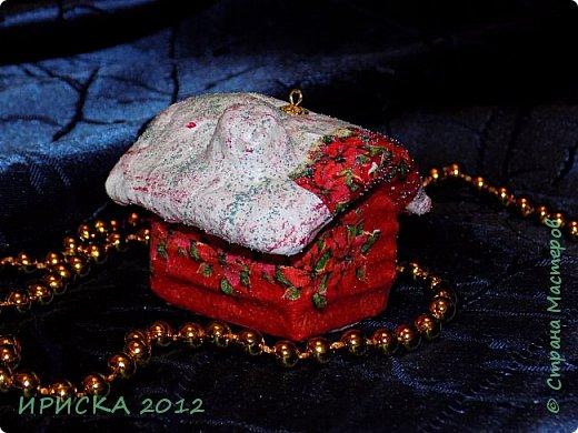 Приветствую всех гостей моей странички!!! Наконец-то я доделала свои первые ватные игрушки. Хочу сразу сказать слова благодарности за вдохновение, мастер-классы и добрые советы мастерам по ватным игрушкам Олечке Симаковой http://stranamasterov.ru/user/390706 , Элайдже http://stranamasterov.ru/user/399311 и Светлане http://stranamasterov.ru/user/68349 , именно благодаря вам я решилась попробовать себя в ватном папье-маше.   фото 21