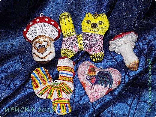 Приветствую всех гостей моей странички!!! Наконец-то я доделала свои первые ватные игрушки. Хочу сразу сказать слова благодарности за вдохновение, мастер-классы и добрые советы мастерам по ватным игрушкам Олечке Симаковой http://stranamasterov.ru/user/390706 , Элайдже http://stranamasterov.ru/user/399311 и Светлане http://stranamasterov.ru/user/68349 , именно благодаря вам я решилась попробовать себя в ватном папье-маше.   фото 25